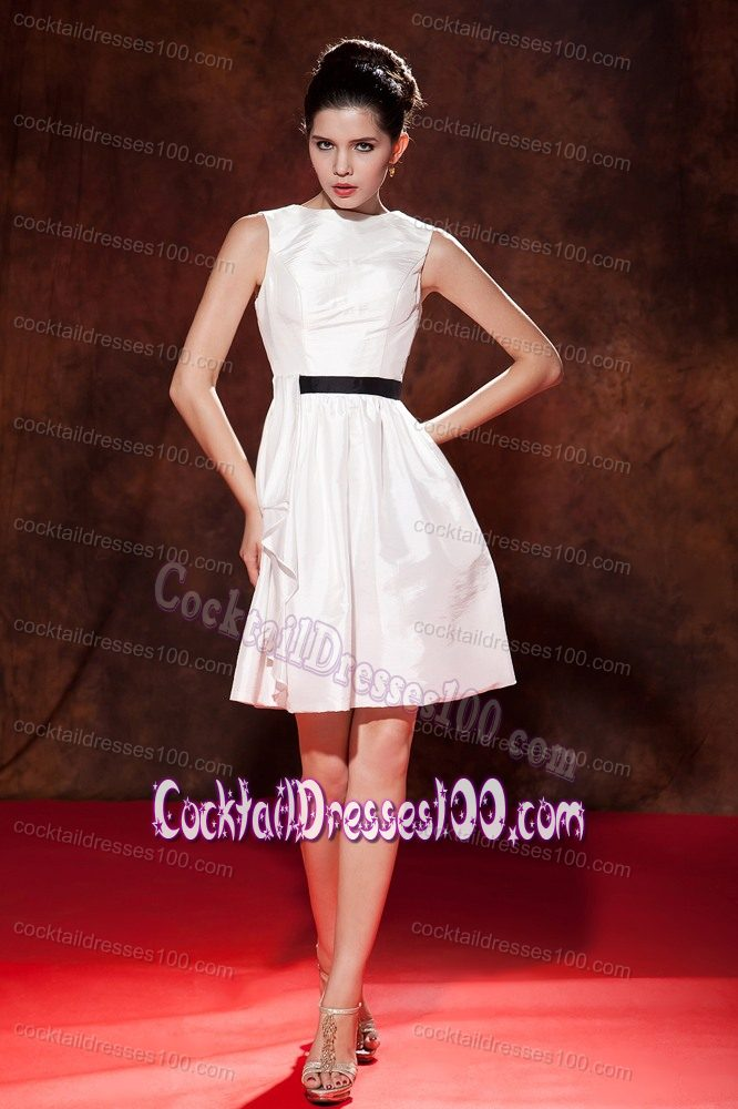 White A-line Bateau Cocktail Dress For Celebrity Mini-length Taffeta
