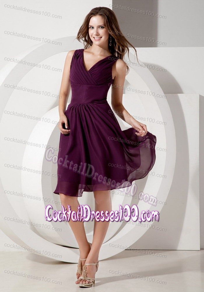 V-neck Knee-length Ruched Dark Purple Cocktail Dresses