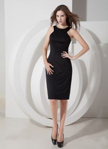 Knee-length Column Scoop Little Black Cocktail Dress with Zipper Up