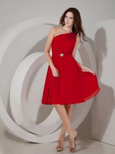 One Shoulder Red Chiffon Cocktail Dress with Brooch in Sacramento