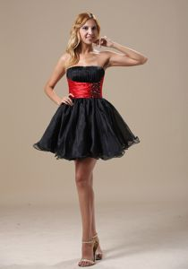 Cheap Black And Red Beaded Strapless Cocktail Dresses 2012 Style