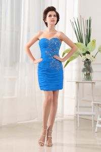 Blue Sheath Sweetheart Cocktail Dress with Appliques on Ruching