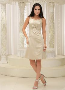 Elegant Champagne Appliques Decorate Knee-length Cocktail Dress