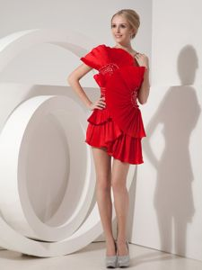 Special One Shoulder Red Beaded Short Cocktail Dresses with Layers