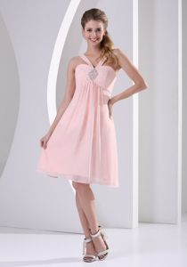 Straps V-neck Knee-length Baby Pink Cocktail Dresses with Beading