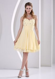 New Arrival Sweetheart Knee-length Beaded Cocktail Dress in Beige