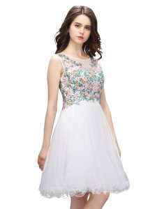 Scoop White Sleeveless Mini Length Beading and Embroidery Zipper Cocktail Dress