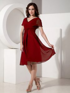 Dynamic Red Chiffon Zipper Cocktail Dresses Short Sleeves Knee Length Ruching