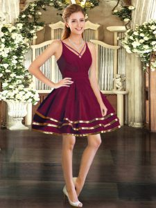 Enchanting V-neck Long Sleeves Backless Cocktail Dresses Burgundy Tulle