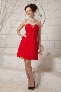 Soft and Feminie Chiffon Red Short Cocktail Dresses with Beading