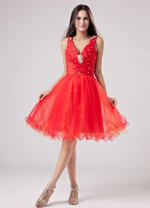 V-neck Puffy Beaded Red Short Cocktail Party Dress for Women