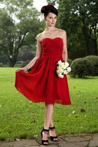 Elegant Sweetheart Knee-length Ruched Red Prom Cocktail Dresses