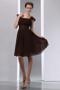 Square Knee-length Beaded Brown Homecoming Cocktail Dresses