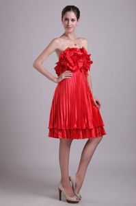 Red Empire Strapless Knee-length Pleated Cocktail Dress