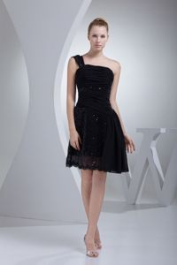 Ruches and Sequins One Shoulder A-line Black Cocktail Dress
