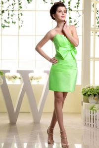 Mini-length Spring Green Ruched Cocktail Dress with Bowknot