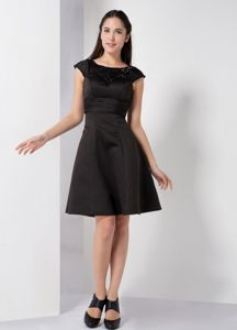 Black Scoop A-line Satin Knee-length Cocktail Dress Beaded