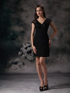 Beading and Lace V-neck Column Cocktail Dress Mini-length